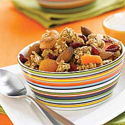 Rose*s Light Nut and Dried Fruit Granola