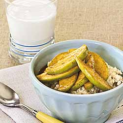 Oatmeal with Spiced Apples