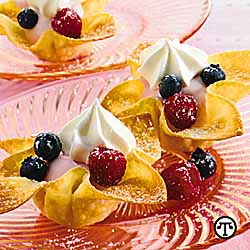 Berries N Cream Wonton Cups