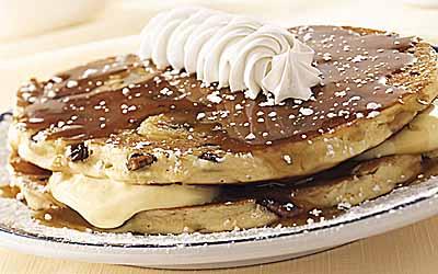 Caramel Banana Pecan Hotcakes