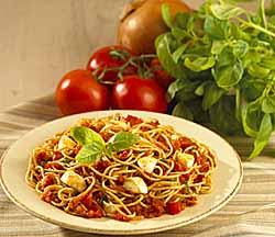 Flax Spaghettini in Roasted Pepper and Bocconcini Sauce