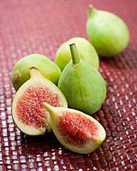 Figs And Toasted Almond Brie